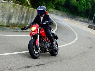 熱血通勤滑胎首選 DUCATI Hypermotard 796 2011