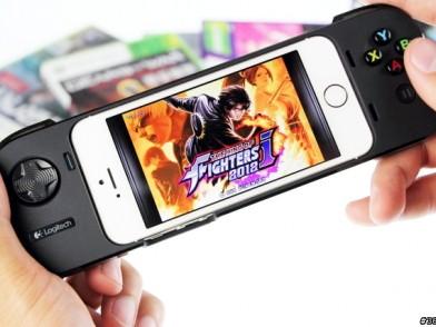 iPhone變身掌上遊戲機  羅技PowerShell G550遊戲手把用力試玩