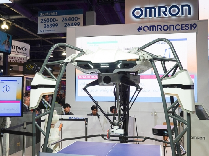 OMRON FORPHEUS第5代乒乓球機器人於CES 2019現身!