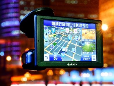 新增駕駛輔助系統 行車安全更進化 Garmin nuvi 4592R Plus試用分享
