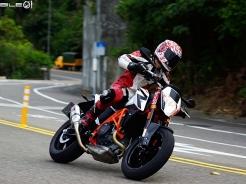 奧式滑胎緊繃降臨 KTM 690 Duke R ABS 2014