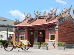 「無 料」 騎 P-bike 遊 屏 東 市