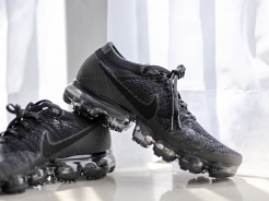 Nike Air Vapormax Triple Black 2.0 開箱,漫步雲端!