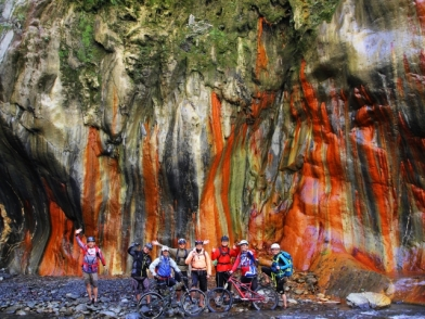 冬季限定單車溯溪-哈尤溪溫泉